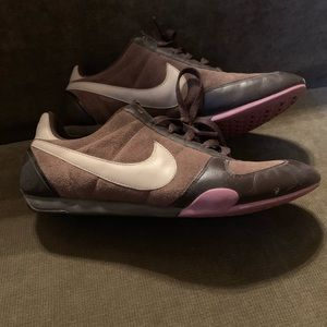 Nike Women's 8 Brown/Tan Running